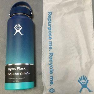 LE 40oz PNW Ombré Hydroflask in Waterfall, BNWT